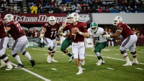 UMass football hits mid-game offensive drought in 31-24 loss to Tulane