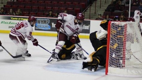 UMass hockey can't complete the sweep, fall to Colorado College 7-4 Saturday night