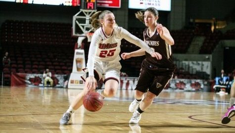 UMass women's basketball, Leah McDerment transitioning well under leadership of Tory Verdi