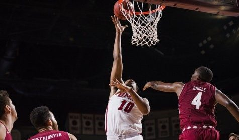 UMass men's basketball's frontcourt looks to build on solid start to season