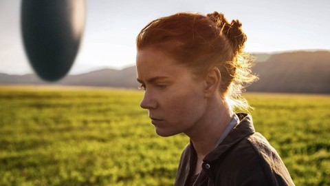 Amy Adams as Louise Banks in