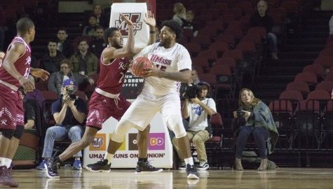 UMass men's basketball drops thirds straight, falls to VCU 81-64