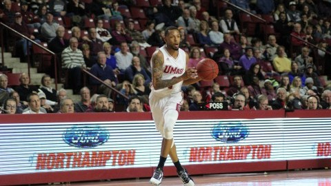 Zach Lewis, bench carry UMass men's basketball in win over St. Joe's