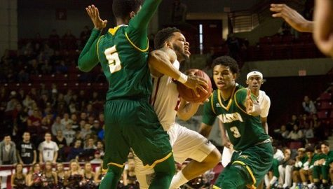 UMass men's basketball drops its third straight game in 76-74 loss to George Mason