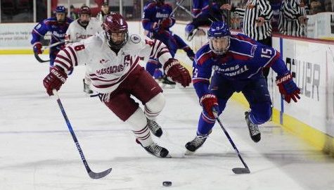 UMass hockey prepares for third and final match-up against No. 6 UMass Lowell on Saturday