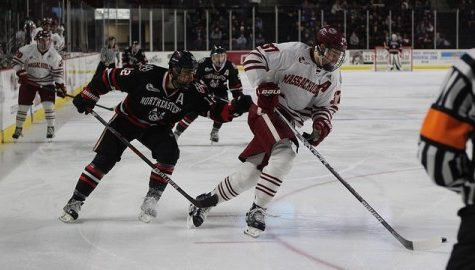 UMass hockey loses 6-5 to Northeastern in a high-scoring affair Tuesday night