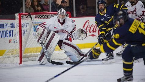 UMass hockey drops 12th straight game with home 3-0 loss to Merrimack on Valentine's Day