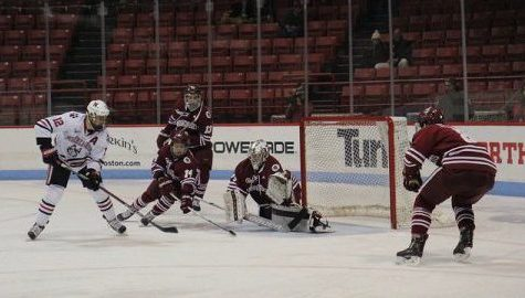 Wins continue to elude UMass hockey team after losing 4-2 to No. 9 UMass Lowell