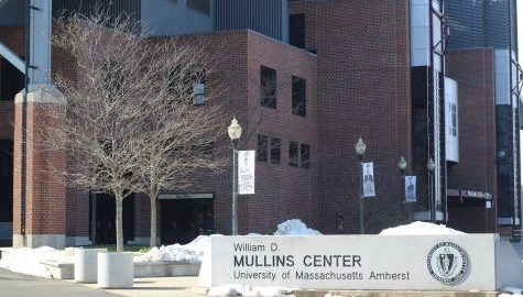 UMass students show lackluster attitude toward 'Mullins Live!' concert