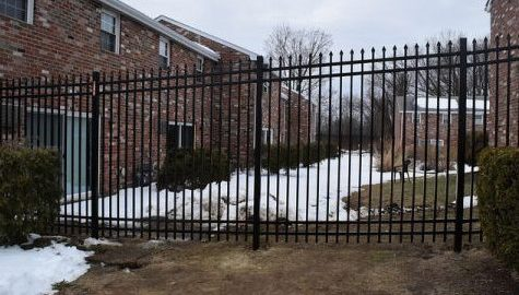Students react to new fence around Townehouses