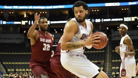 UMass men's basketball tops Saint Joseph's Wednesday to advance to the second round of A-10 tournament