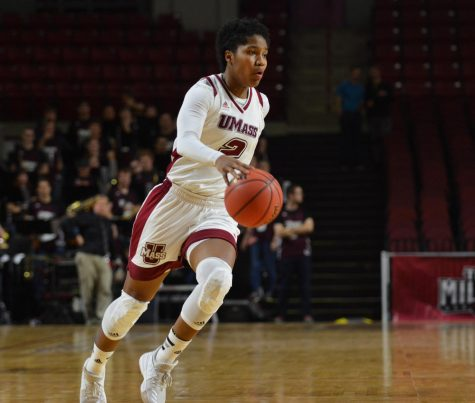 UMass stuns George Mason with last-minute rally