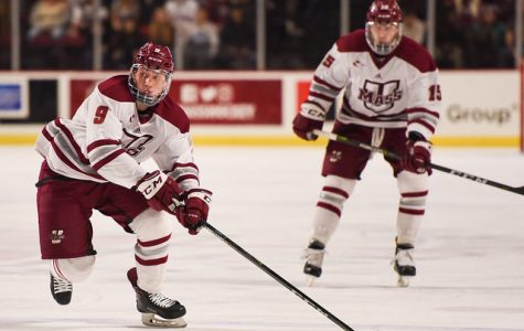 UMass hockey swept by Maine after dropping 3-2 decision Saturday