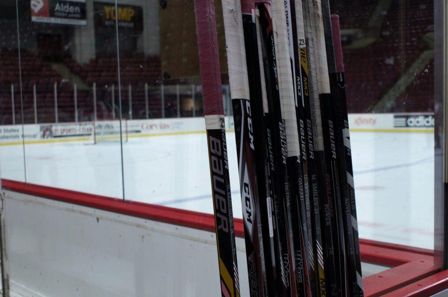UMass+club+hockey+splits+weekend+series