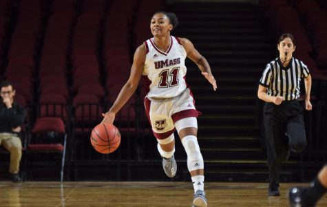 Third quarter woes cost Minutewomen again