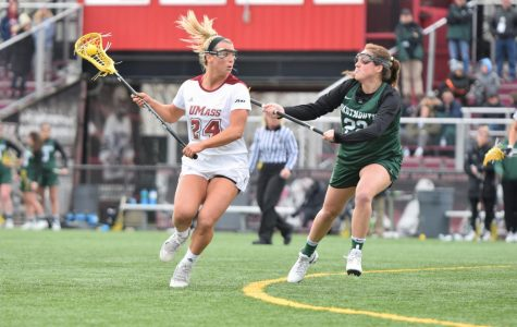 UMass women's lacrosse to carry sizable group of midfielders this season