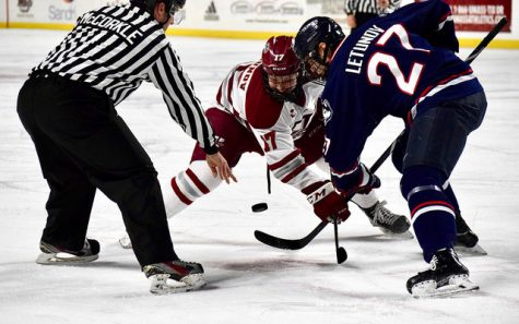 UMass hockey hands UConn first loss in seven games