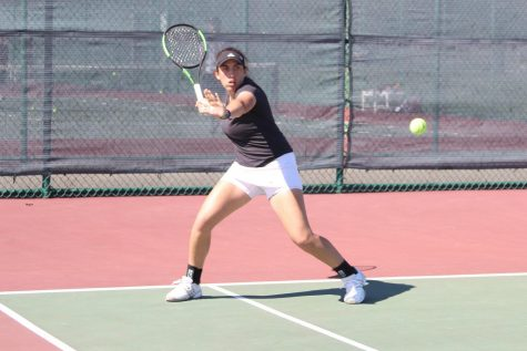 Several Minutewomen start tennis season with wins at Eastern Collegiate Invitational