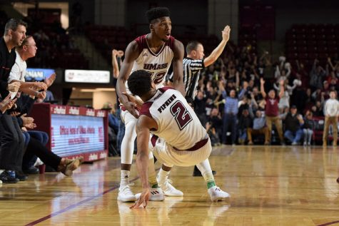 Minutemen stopped by Stanford in NIT semifinals last night