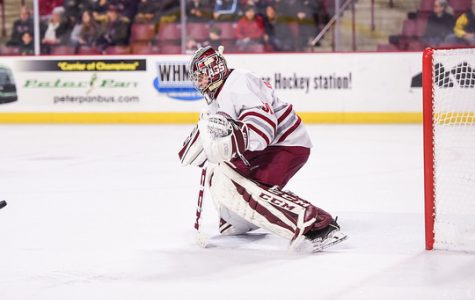 UMass hockey blanks UMass Lowell 3-0 in Amherst