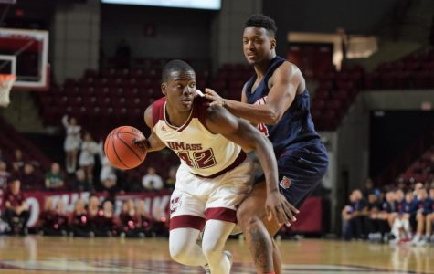 UMass men's basketball tops Duquesne in season finale