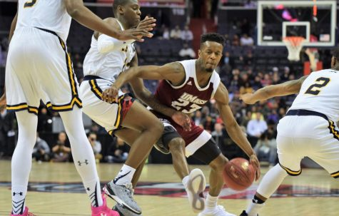 UMass men's basketball wins Charleston Classic