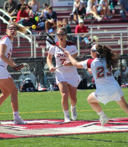 Minutewomen downed by Duquesne despite late surge