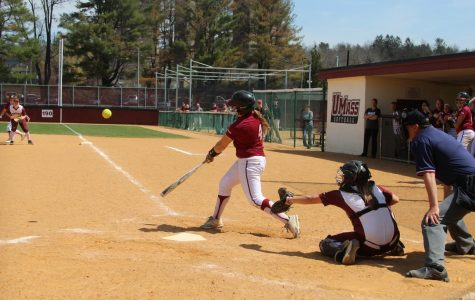 UMass softball finishes big weekend offensively