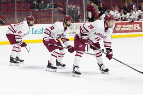 UMass hockey falls to No. 5 Boston University at Frozen Fenway
