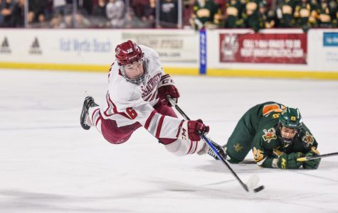 Three unanswered goals power UMass hockey to 3-2 comeback win past Vermont