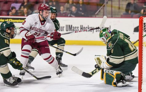 Vermont spoils UMass hockey's comeback Friday night
