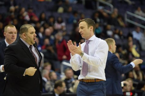 UMass basketball prevails over GW to advance to A-10 quarterfinals