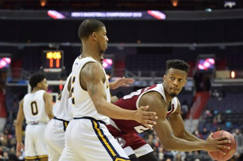 UMass men's basketball looks to use strong second half in loss to George Mason to gain confidence moving forward