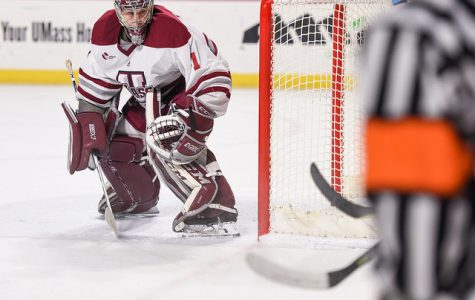 Ryan Wischow makes 30 saves in first start in over a month as UMass clinches series