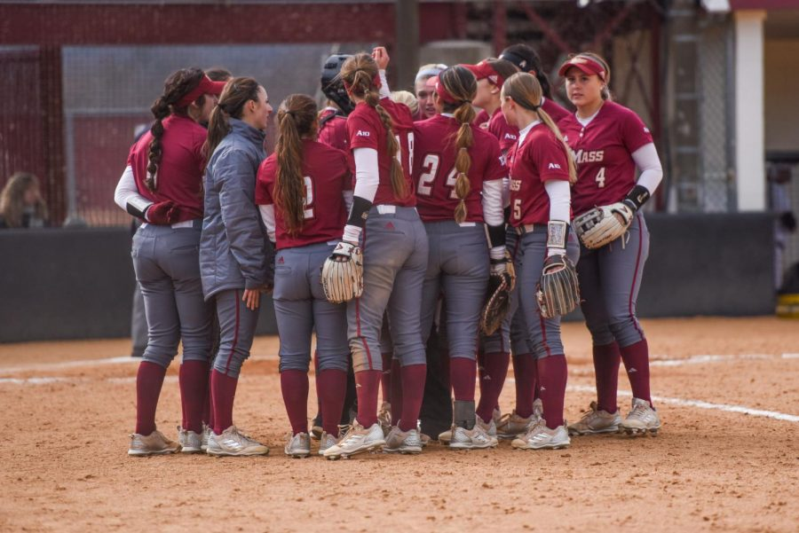 UMass softball sweeps St. Bonaventure to stay perfect in A-10 play