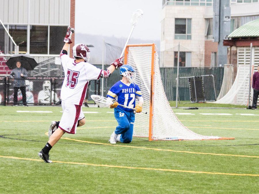Ten-goal run lifts UMass men's lacrosse in season finale win