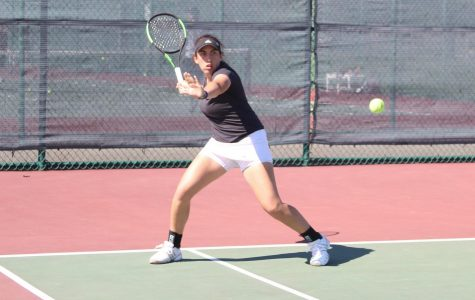 UMass tennis weathers storm to win on Senior Day