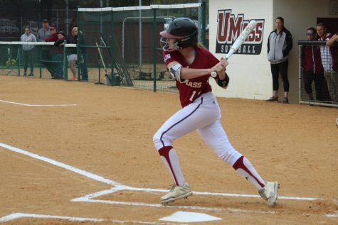 UMass sweeps La Salle in double-header
