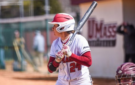 Cozza, Garcia lead UMass softball to ninth straight 10-hit game in doubleheader sweep