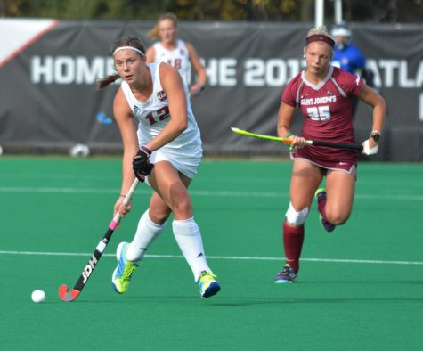 UMass field hockey loses 3-2 to UNH in season opener