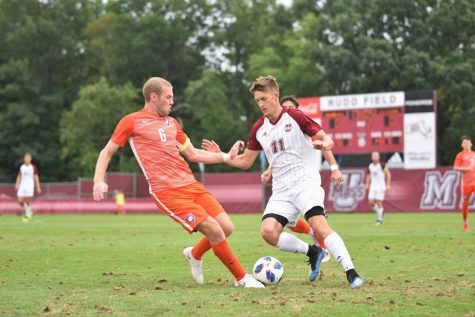 Massachusetts men's soccer bounces back with road victory over Hartford