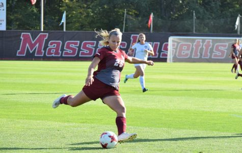 UMass women's soccer thumps Chicago State 8-0 behind strong second half