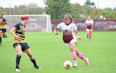 Frisk, Marra lead offensive barrage in UMass women's soccer's 8-0 win over Chicago State