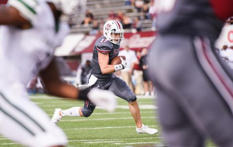 Michael Curtis wills UMass football to win over Charlotte
