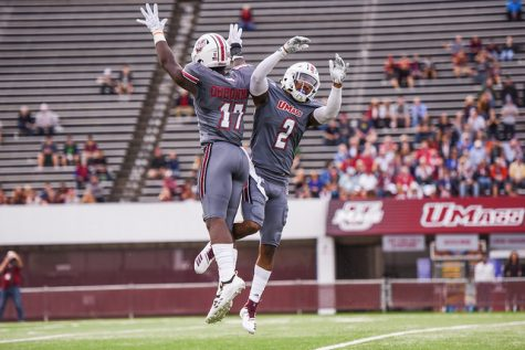 Minutemen Report Card: Havens, Holmes look to lead in second half