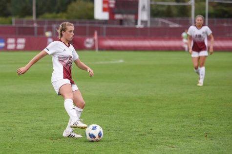 UMass women's soccer explodes for four goals in win over URI