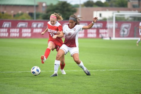Minutewomen overcome 26-point first half deficit to beat Hartford