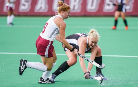 Antonet Louw, Lucy Cooper secure second straight comeback win for UMass field hockey