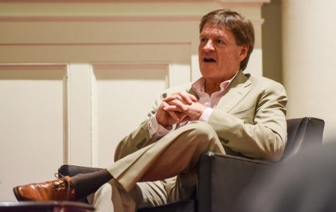 Amherst College hosts discussion with journalist Michael Lewis on managing the federal government