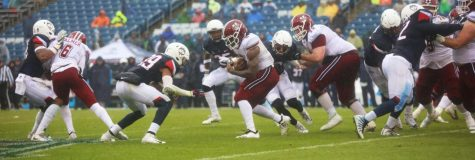 UMass edges UConn 22-17 to pick up first road win of season
